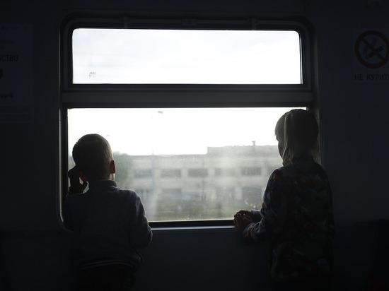 Жителей Бурятии просят помочь с новогодними подарками для детей