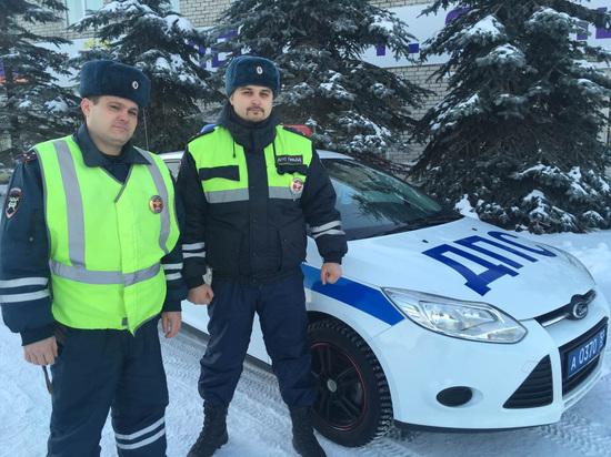В Соликамске полицейские спасли утопавшего в ледяной воде