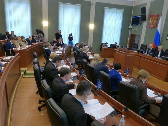 Сегодня по требованию депутатов ЗС министр экономразвития республики Павел Буренков рассказал, какие объекты «вылетели» из ФЦП