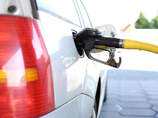 Цены на бензин в Волгограде за неделю снизились