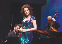 Триумфальным можно назвать концерт Нины Шацкой «Песни счастья», который певица дала в среду вечером в Международном доме музыки