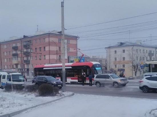 В Улан-Удэ трамвай