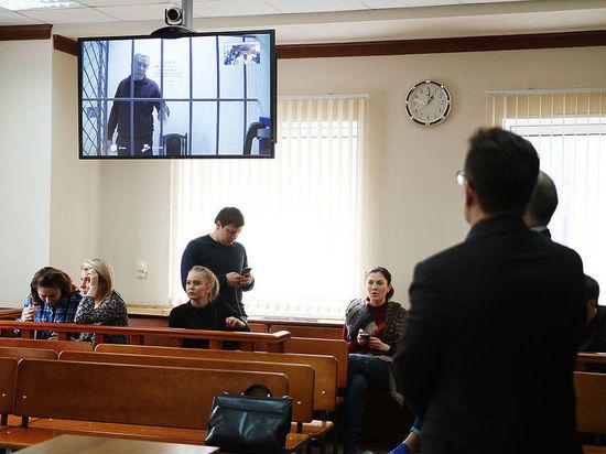 Скандал с отцом полковника Захарченко: отправили сидеть в Уфу