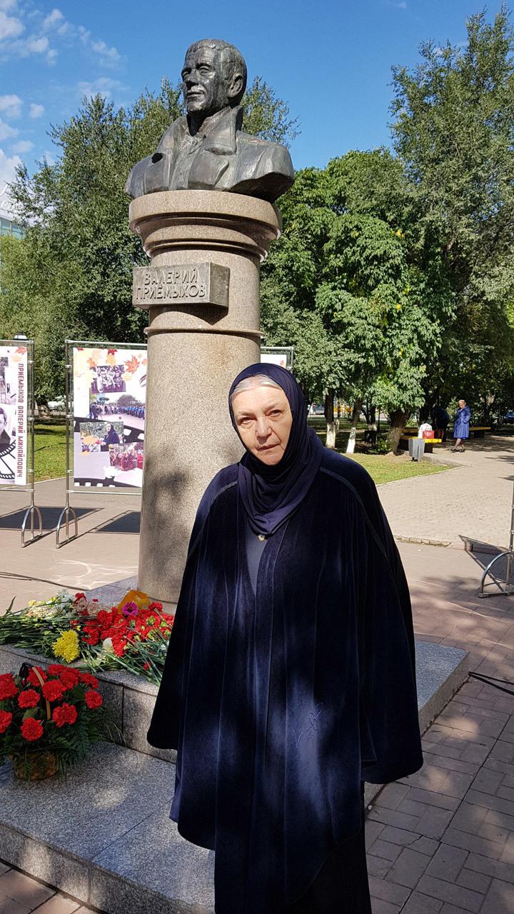 Ушедшая в монастырь актриса Ольга Гобзева объяснила свой выбор