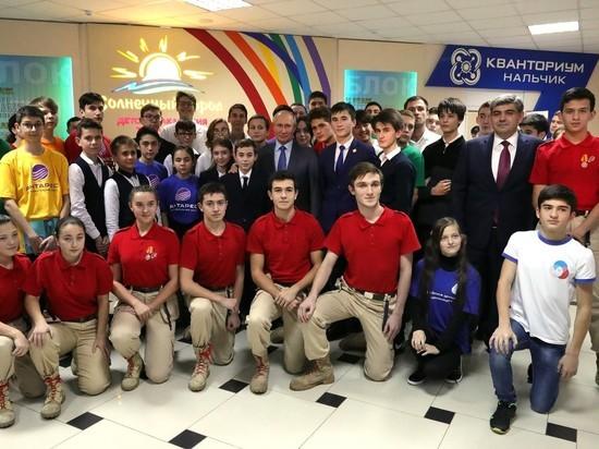 Президенту Путину показали «Солнечный город» творчества в Нальчике