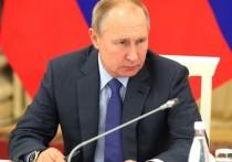 На Совете по межнациональным отношениям в Нальчике Владимир Путин раскритиковал политику федеральных телеканалов, которые отказываются показывать сюжеты на этнические темы и привлекают некомпетентных экспертов, стравливающих народы