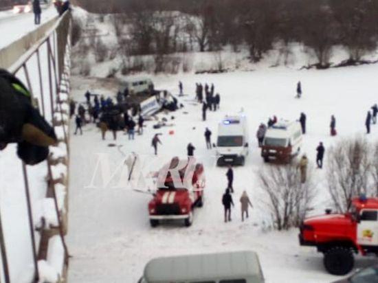 Семь человек тяжело пострадали в ДТП с автобусом около Сретенска