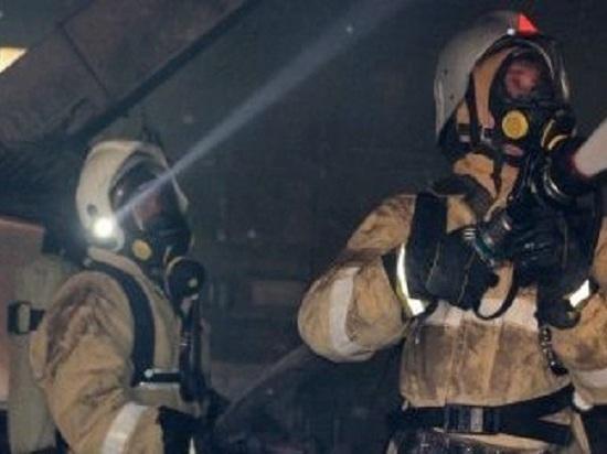В Армянке огнем оказался охвачен дом с людьми: спасены двое
