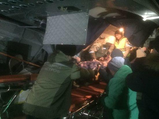 Два вертолёта доставили пострадавших в слетевшем с моста автобусе в Читу