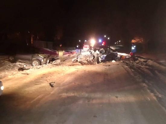 В Бурятии два человека погибли в автоаварии