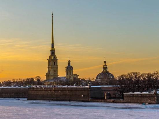 Петербург вошел в топ-10 регионов по уровню зарплаты