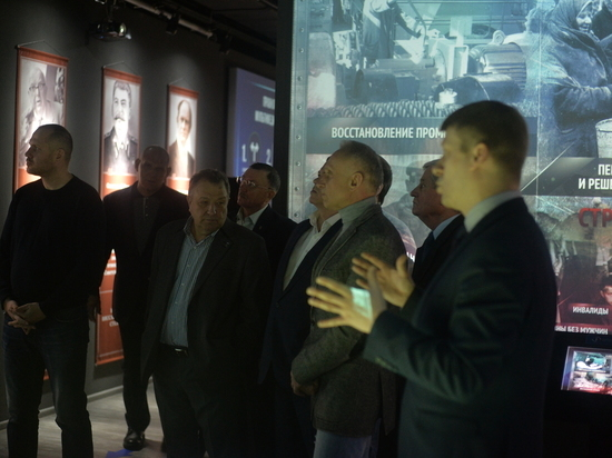 От Рюриковичей до Крыма: единороссы НСО отметили 18-летие