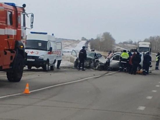 Радий Хабиров поручил оказать помощь семьям погибших в аварии в Челябинской области
