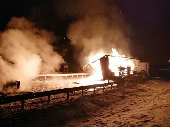 В Челябинской области на трассе М-5 «Урал» сгорела фура