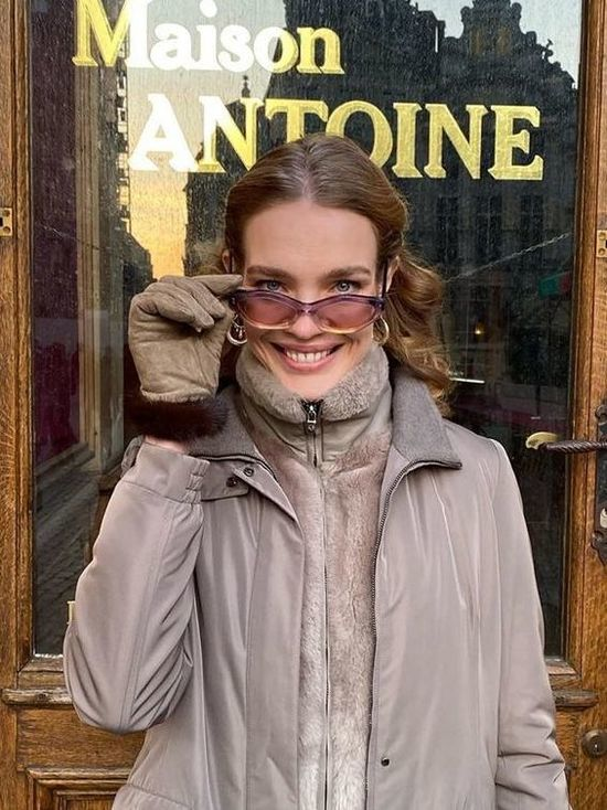Наталья Водянова будет вести канал на YouTube на двух языках