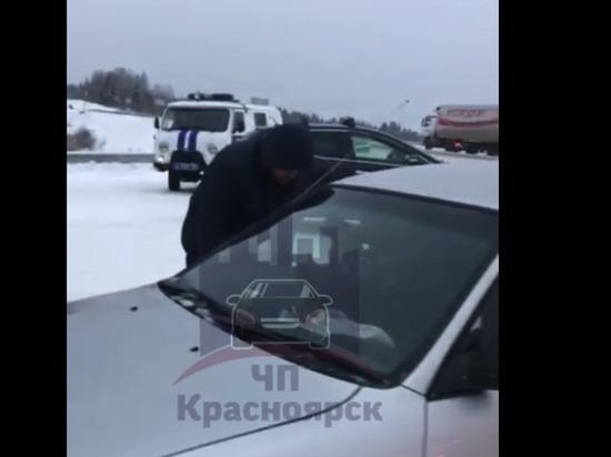 «Рэкетиры 21-го века»: неизвестные перекрыли дорогу к гостинице под Красноярском