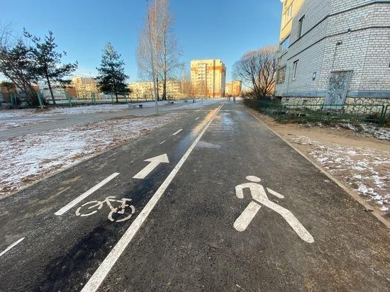 Псковичи раскритиковали новые велодорожки в сквере рядом с 24 школой