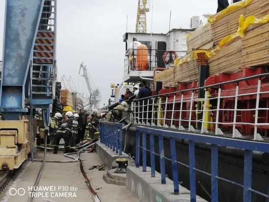 В Астрахани сгорело иранское судно