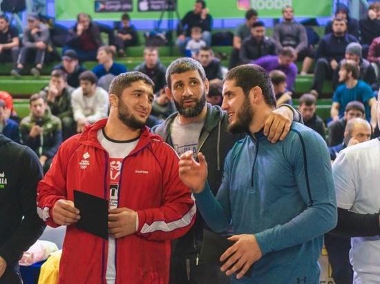 Дагестанские спортсмены Абдулрашид Садулаев, Магомедрасул Газимагомедов, Мавлет Батыров, Ислам Махачев и другие приняли участие в благотворительной игре в регбол