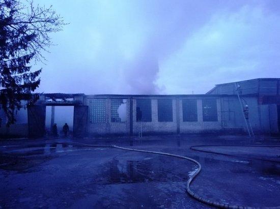 В Брянске потушили склад в 500 квадратных метров