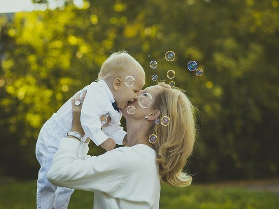Рожать станет выгодно: пособия по материнству пересчитают
