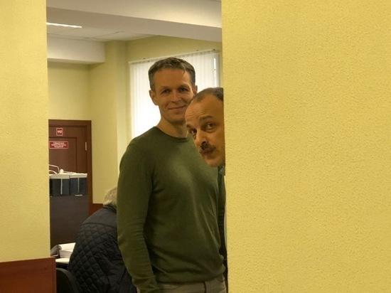 Скачок напряжения: экс-мэр Кимр Литвинов устроил следователям «допрос» в суде