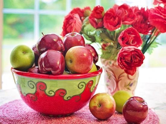 Яблоки с пятнами признали опасными для жизни