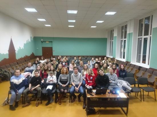 Корреспондент «МК в Смоленске» выступила перед волонтерами