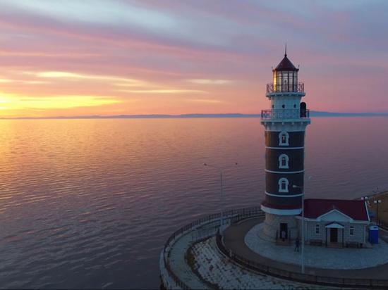 «Ситуация не безнадежная - на маяк пускают за деньги»: 10 лет «Байкальской гавани»
