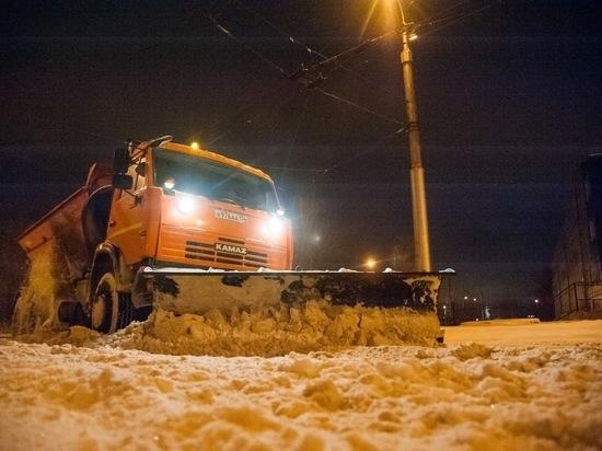 Дорожная спецтехника будет работать в Волгограде круглосуточно