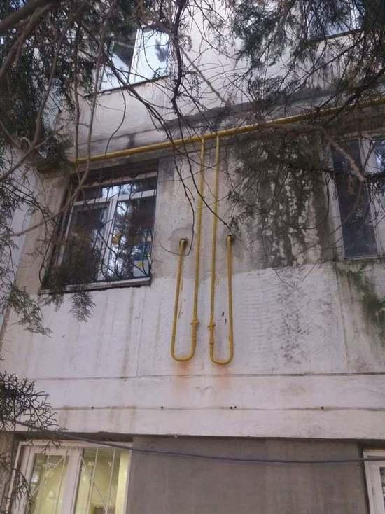 Симферопольцы тщетно добиваются замены старых труб