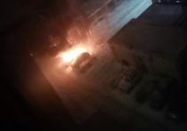 Вечером в Оренбурге горели автомобили