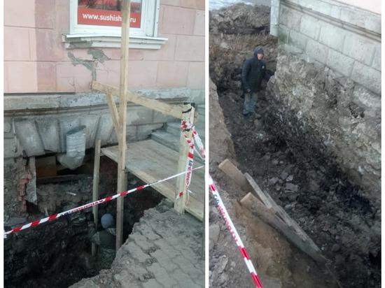 «Ситуация катастрофическая!»: Кто виноват в разрушении дома на Рижском