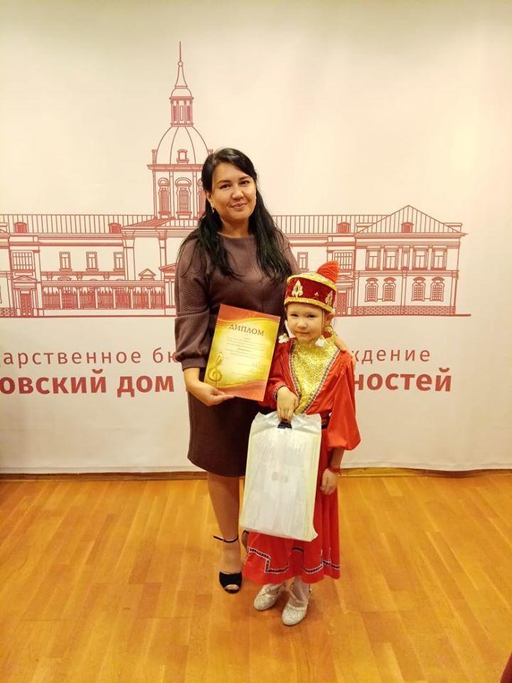Шестилетняя певица из Калмыкии стала лауреатом конкурса