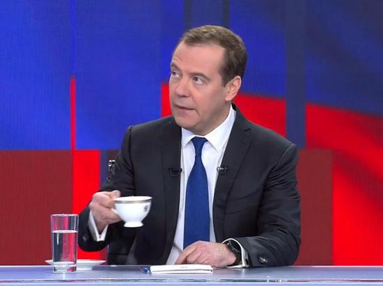Медведев лестно высказался о Зеленском
