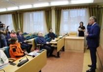 Глава Пуровского района вручил награды лучшим добровольцам
