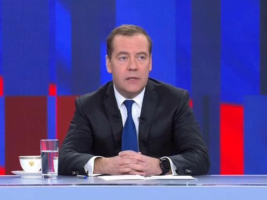 Медведев намекнул на судьбу закона о домашнем насилии