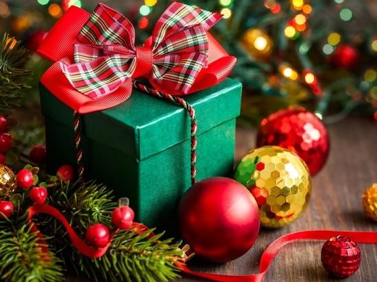 Маркетологи назвали самые популярные подарки к Новому году