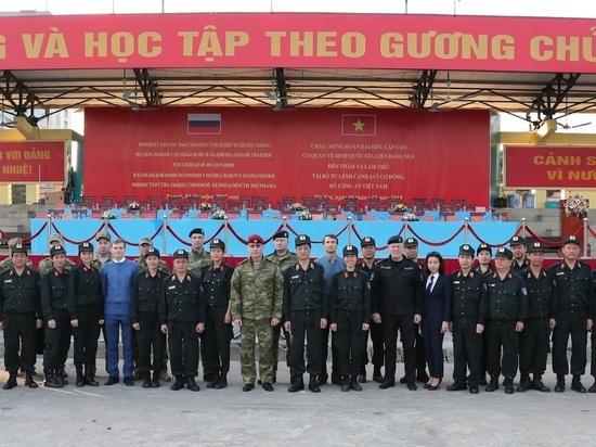 Глава Росгвардии посетил тренировку вьетнамского спецназа