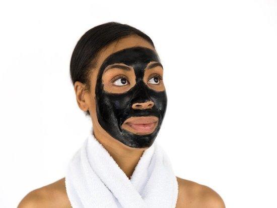 Как привести себя в порядок к Новому году без похода к косметологу