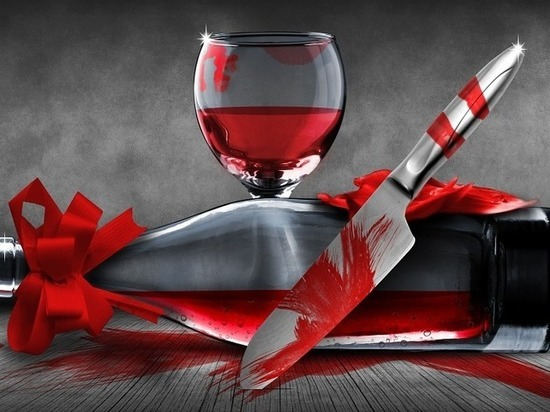 Пенсионер зарезал сожительницу и ее любовника кухонными ножами