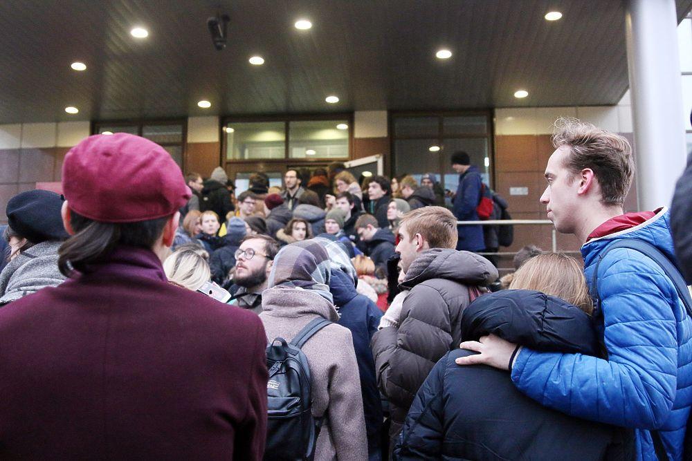 Кто пришел поддержать Егора Жукова: кадры из Кунцевского суда