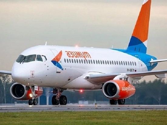 Самолет, летевший из Питера в Калмыкию, совершил вынужденную посадку