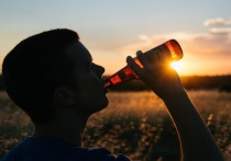 У саратовцев появился шанс приобрести отечественное вино до полуночи