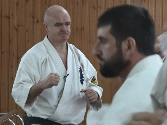 Обладатель черного пояса по карате приехал в Дагестан