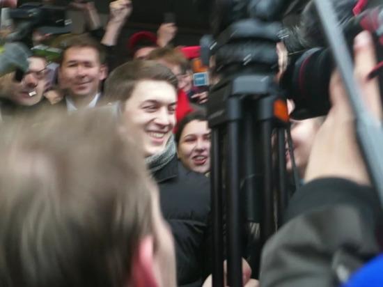 Приговор Егору Жукову встретили беззвучным смехом
