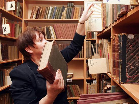 «Собака решила почитать»: как оправдываются читатели, забывшие сдать книги в библиотеку