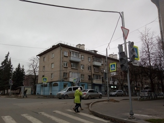 Новый светофор в Пскове привел к пробкам