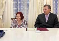 Первую железную свадьбу отметили в Салехарде