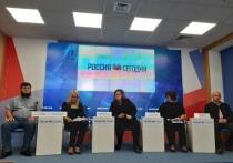 Крымские нотариусы помнят цвет украинских печатей